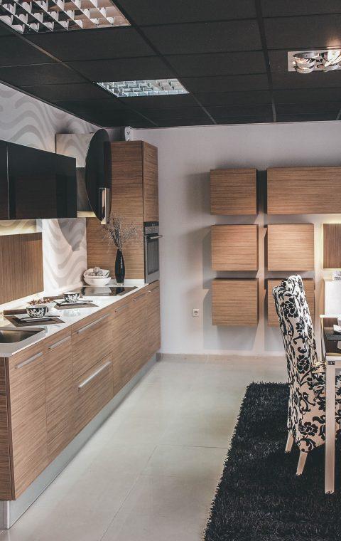 Бивш офис и мострена зала Варна